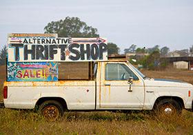 旧货商店的指示方向宣传海报