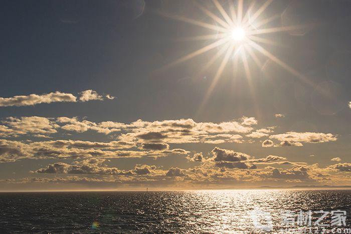 海上金色阳光高清背景图