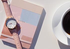 粉色手表本子封面高清图