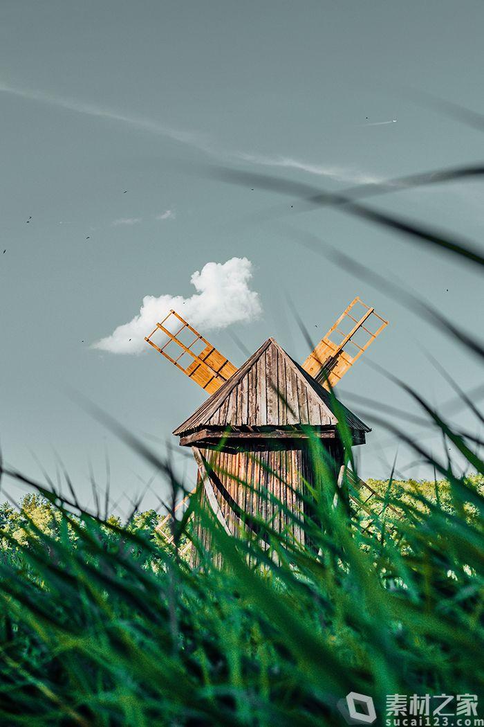 天空下木风车封面高清图