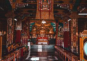 富丽堂皇的佛寺高清图