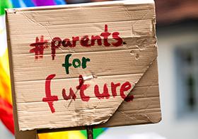 未來的父母紙板banner