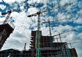 建筑工地吊塔高清圖