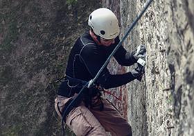 攀岩探险高清图