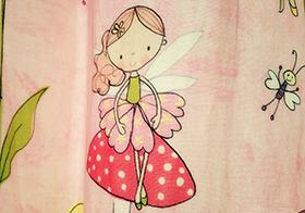 手繪彩色卡通女孩高清圖