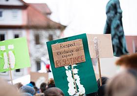 游行示威抗議Banner