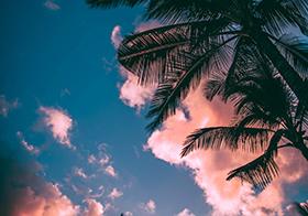 黄昏时海岛的唯美天空封面高清图