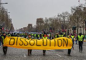黃色解散游行Banner
