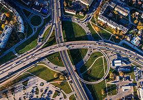 城市立交桥建筑航拍图