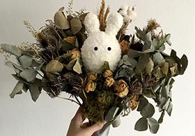小兔子干花创意花束高清图